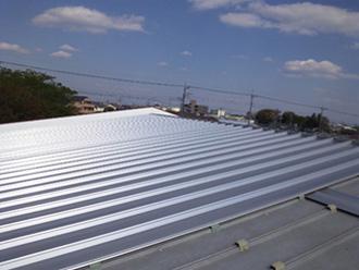使用する屋根材で価格が大きく変動