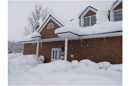 屋根に雪対策をする必要性