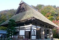 お寺の屋根の特長と修理方法について