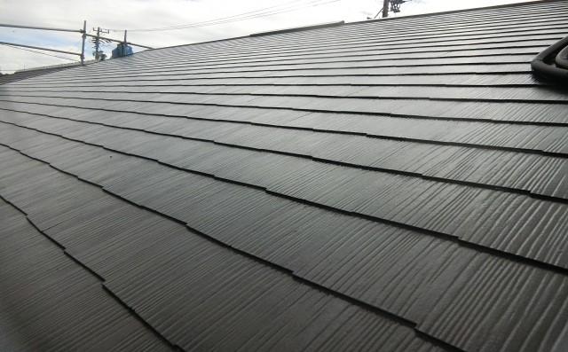 スレート屋根にはどんな種類がある?それぞれの特徴やアスベスト入り屋根の注意点