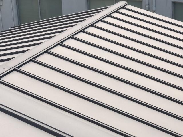 ③金属屋根