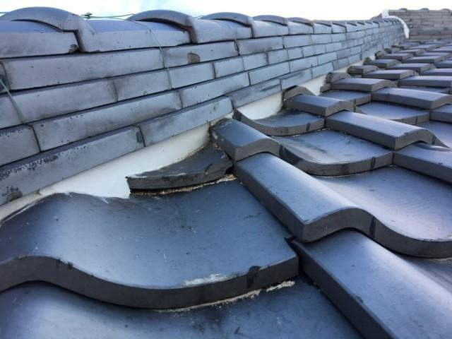 「葺き替え」と「葺き直し」は何が違う?瓦屋根リフォームの方法や注意点
