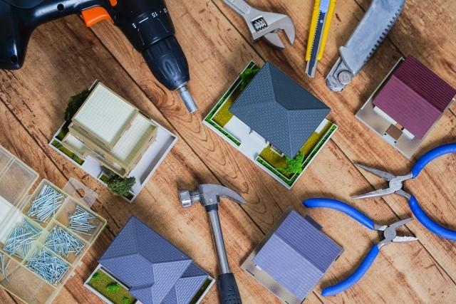 屋根工事の流れと工程を簡単解説!業者への依頼から完工までのステップ